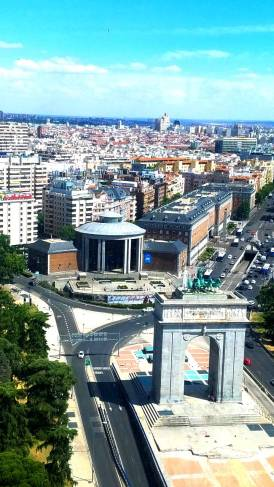 Faro Moncloa Views